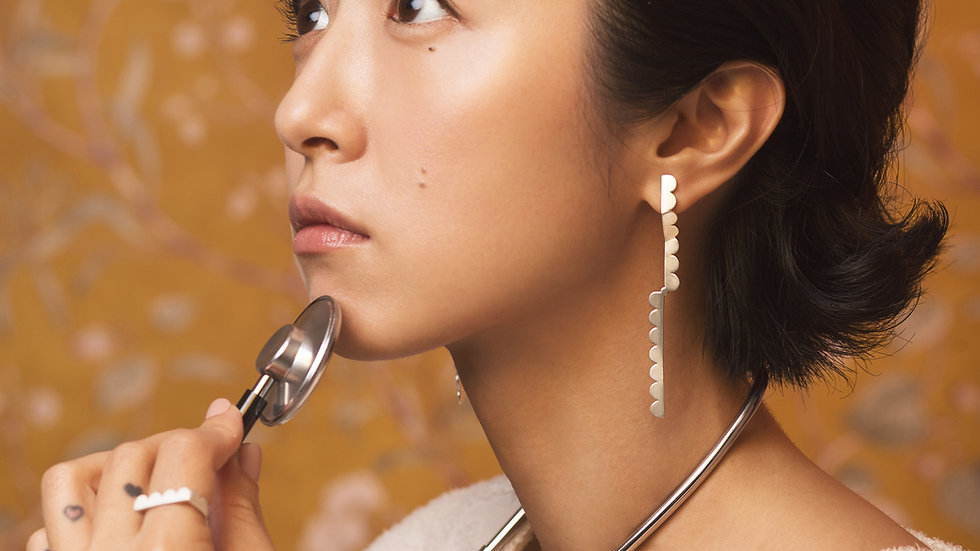 Upset / Upturn 鬍子小姐  折 直式長耳環 Silver Long Earring