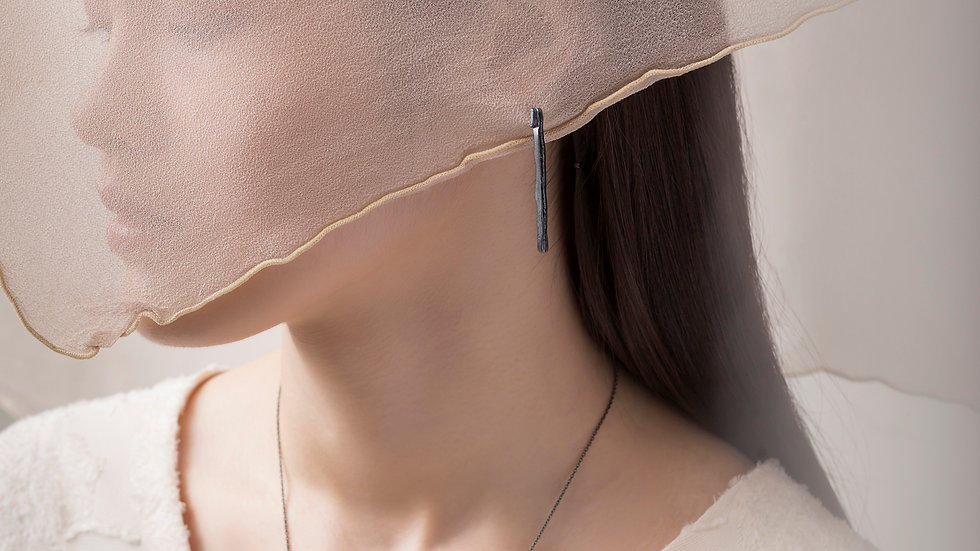 Calligraphy 墨摺 節理耳環 Oxidized Silver Earrings - Pausing