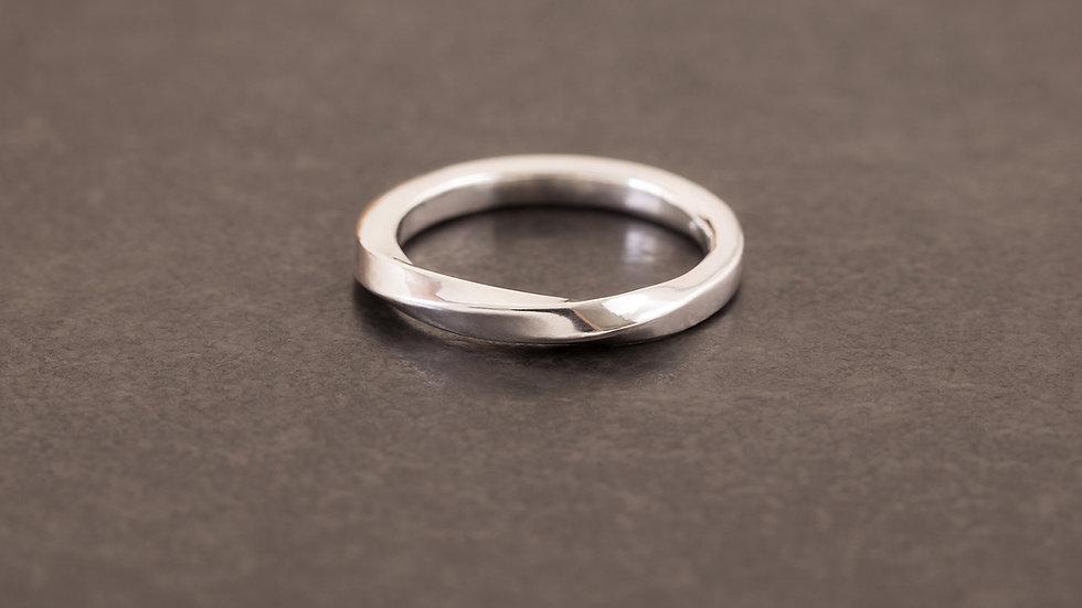 流水潺潺 純銀戒指 (方角)   Square Twist Ring