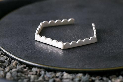 Misstache 鬍子小姐  轉折六角手環 Silver Hexagon Bangle