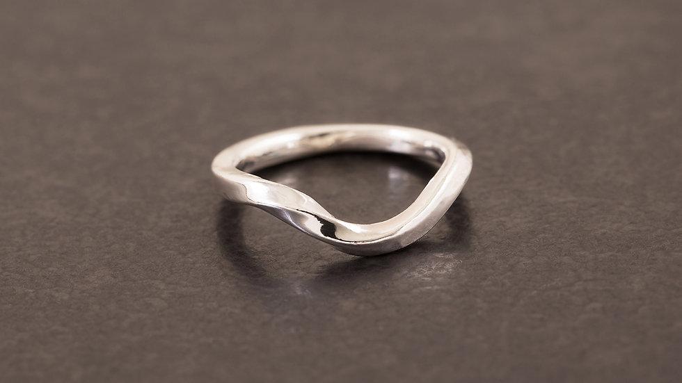 微風流水 純銀戒指  Breeze Twisting Ring