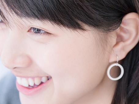 飾品修容術 VS 臉型 : 如何突破守舊但保有優雅,不同於極安全的小耳飾,你其實有更多選擇!