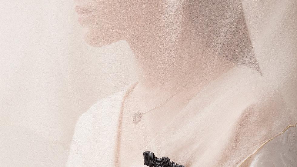 Calligraphy 墨摺 波瀾胸針 Oxidized Silver Brooch - Bleeding