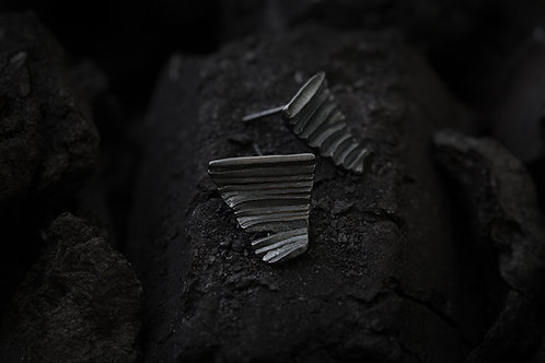 Calligraphy 墨摺 藏鋒耳環 Oxidized Silver Earrings - Restraining