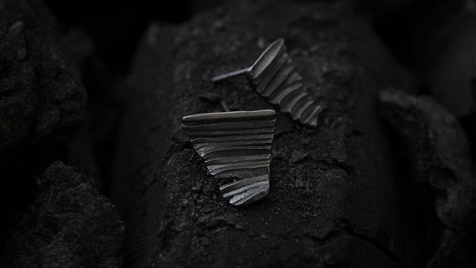 Calligraphy 墨摺 藏鋒耳環 Oxidized Silver Earrings - Restraining