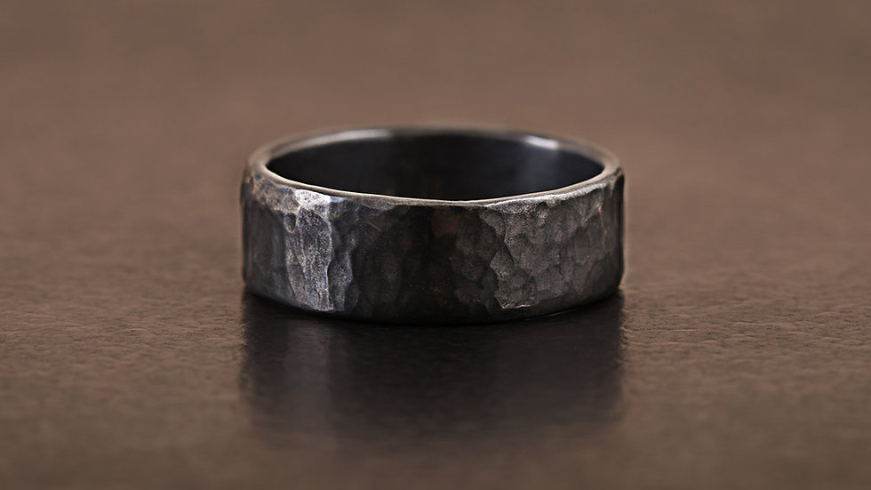 炭墨黑 經典錘目 純銀戒指 HammeredHead Ring