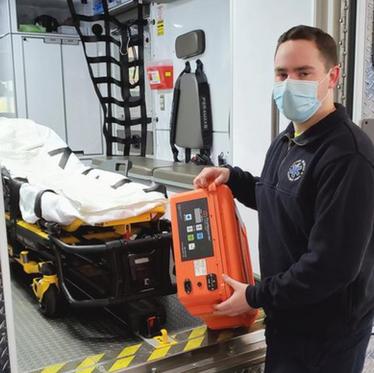 Ambulansefrivillige avverger COVID med Ozonmaskin