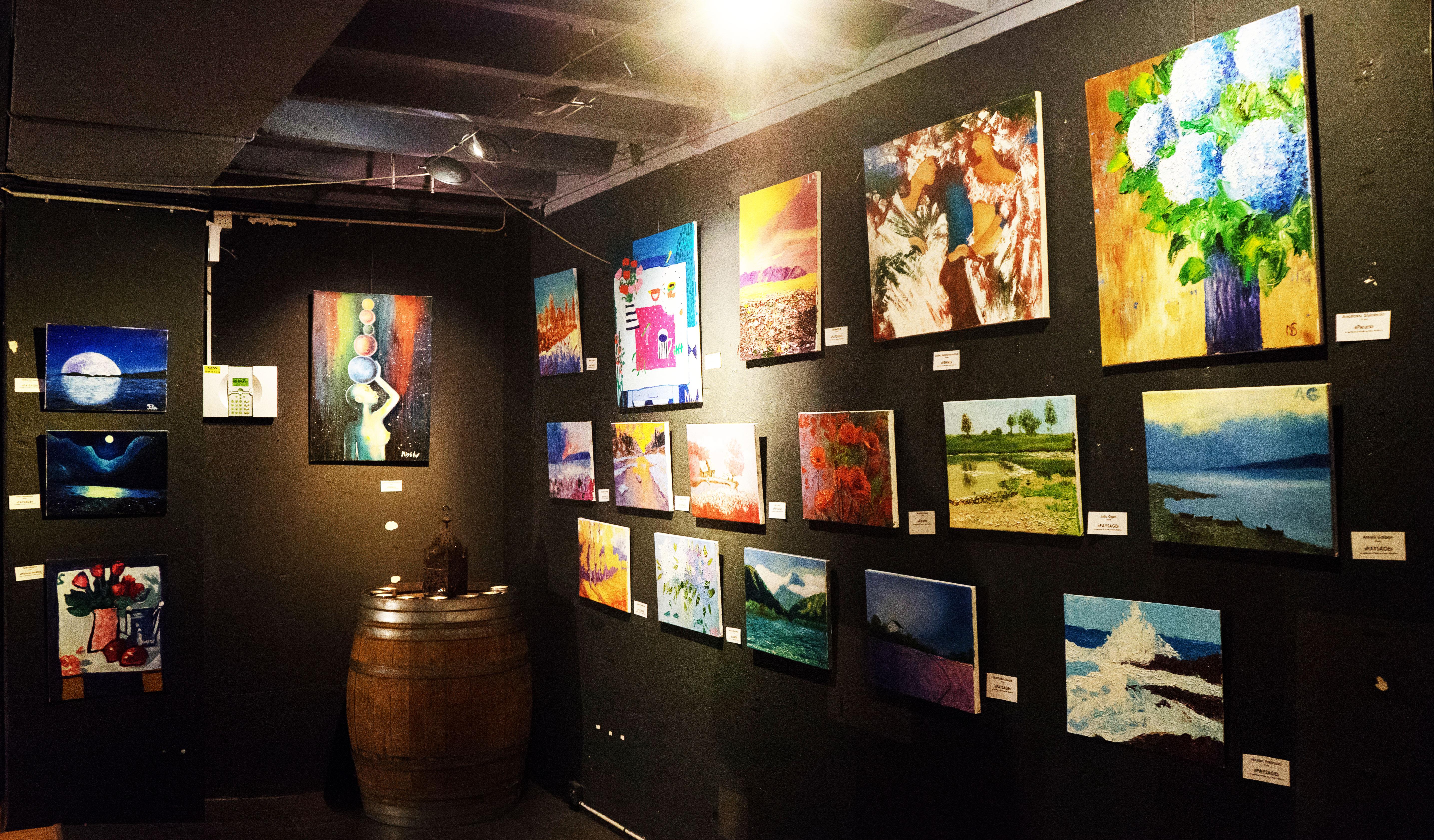 Выставка работ, арт курсов 6.12.2017