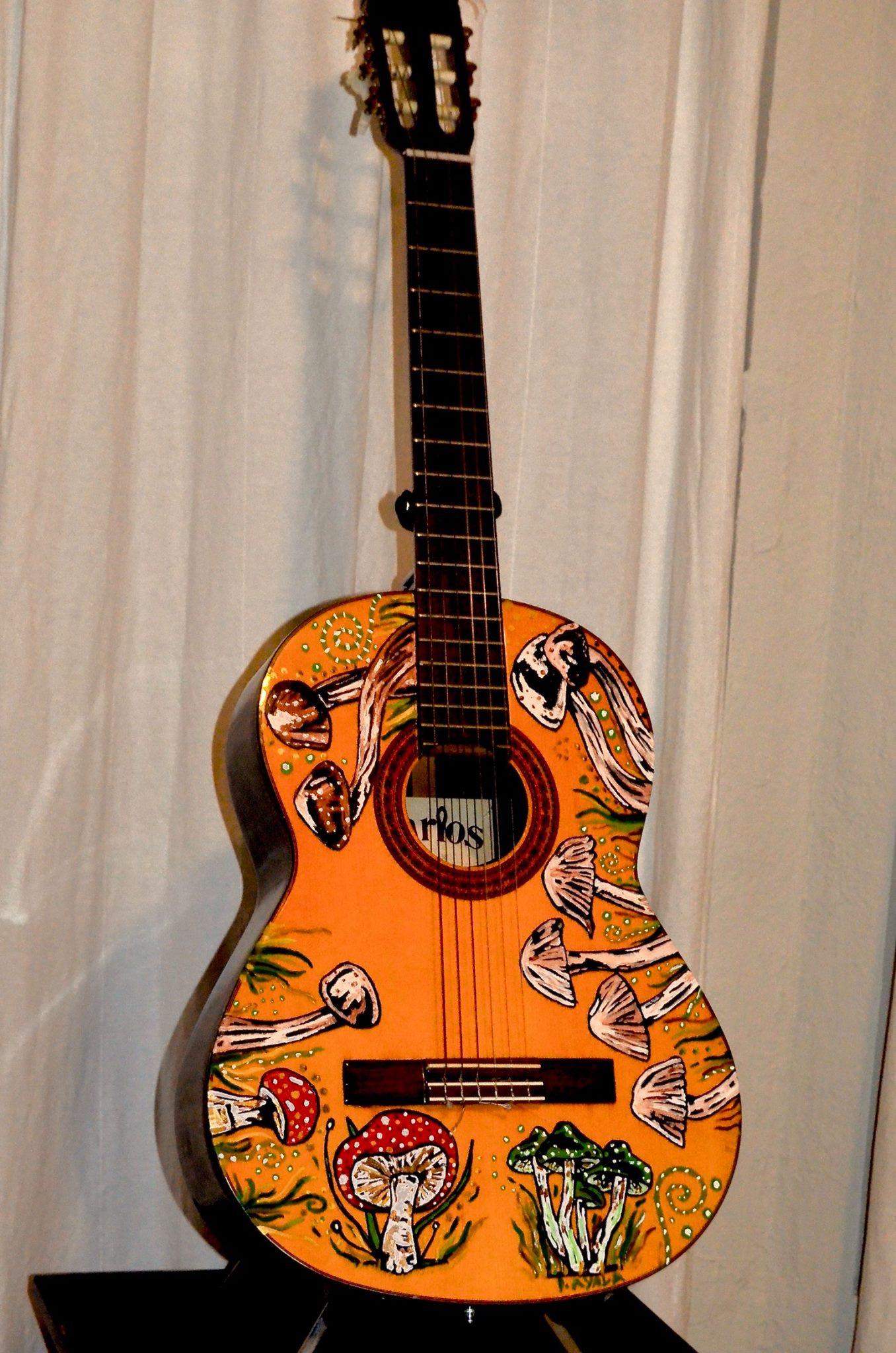 Guitarra de Hongos
