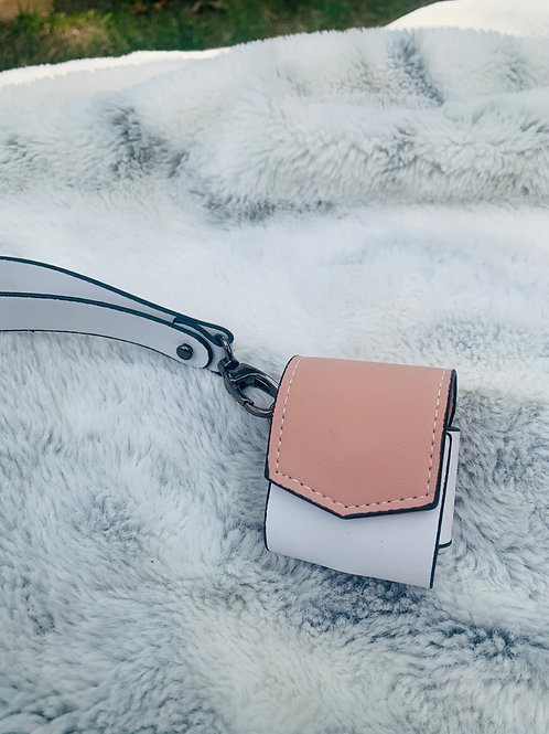Lola Airpod case (Light Pink Top)