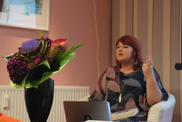 Lesung - Fa(t)shonista mit Magda Albrecht