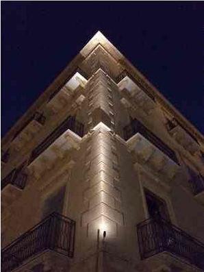 Palermo-at-night.JPG
