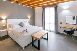 Zimmer_Standard_Bedroom2.jpg