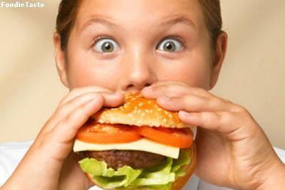 พฤติกรรมการบริโภคอาหารเป็นเรื่องสำคัญมากๆ หากบริโภคอาหารเข้าสู่ร่างกายในปริมาณที่มากเกินความต้องการของร่างกาย สุดท้ายมีแต่คำว่า อ้วน เท่านั้น คนจำนวนมากพยายามปรับเปลี่ยนพฤติกรรมจากเดิมที่เห็นอะไรก็อยากกินไปหมด แต่ก็เป็นเรื่องยากมากสำหรับหลายๆ คน ตามทฤษฎีอาจจะดูว่าง่ายมากในการปรับเปลี่ยนจากกินเยอะๆ มากินน้อยๆ แต่ความเป็นจริงในชีวิตประจำวันเป็นเรื่องยากมากเพราะอาหารอร่อยๆ ในเมืองไทยมีเยอะ สิ่งยั่วยุในเรื่องกินก็มาก หากคุณเป็นอีกคนหนึ่งที่ชอบกิน แนะนำให้รับประทาน ดีท็อก ชื่อ Pacio หรือ Raspberry Plus ทั้ง 2 ดีท็อกซ์ นั้นมีรสชาติที่แตกต่างกัน เลือกเอาที่ตนเองชอบ หลังจาก ดีท็อกลำไส้ เสร็จแล้ว ควรอย่างยิ่งให้รับประทาน Caroline เพื่อเป็นตัวช่วยในการ ลดน้ำหนัก หรือ ลดความอ้วน ให้คุณ หุ่นดี หุ่นสวย แล้วคุณจะมีความสุขเพราะ คุณมี หุ่นสวย หุ่นดี จาก ผลิตภัณฑ์ ลดน้ำหนัก หรือ ผลิตภัณฑ์ ลดความอ้วน คาโรไลน์ เท่านั้น