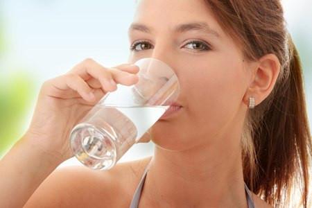 คุณทราบหรือไม่ว่า น้ำ มีส่วนสำคัญในการ ลดน้ำหนัก หรือ ลดความอ้วน รวมทั้งการ ควบคุมน้ำหนัก เพราะ น้ำ ช่วยในการเผาพลังงานได้ดีมาก จึงทำให้คุณ ลดน้ำหนัก หรือ ลดความอ้วน ได้ดี ร่างกายจะขาดน้ำไม่ได้เด็ดขาด คุณจำเป็นต้องดื่มมากๆ อย่างน้อย 8 แก้วต่อวัน