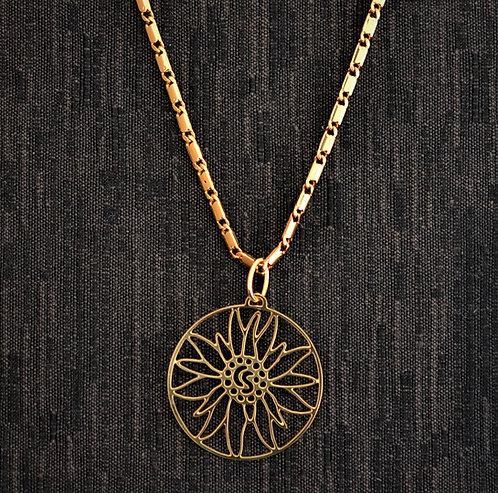 Collier motif grand edelweiss, doré