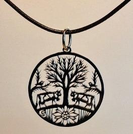 Collier, motif arbre de Vie et vaches, inox