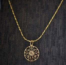 Collier grand, motif edelweiss, doré ou inox