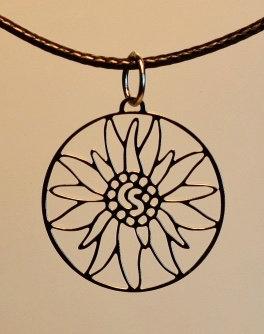 Collier  motif grand edelweiss,  inox