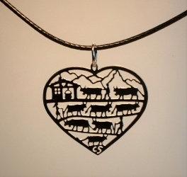 Collier  motif poya-coeur,  inox