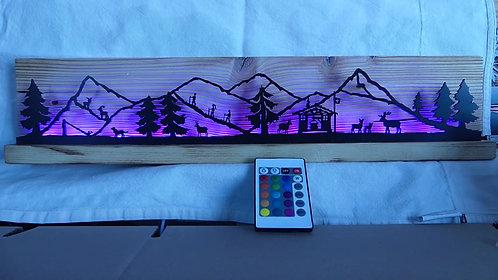 """décor lumineux bois et LED """"montagnes"""", 52.3 x 12 x 4 cm."""