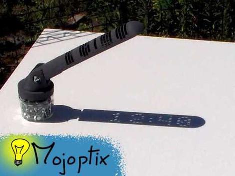 3D列印讓創意發揚光大,不只是日晷也是數位時鐘!