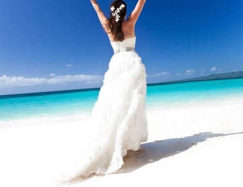 Destination Wedding Guide: Top Bridal Gown Trends in 2014