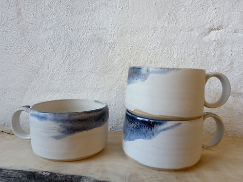 NEW wide cup in oatmeal & blue