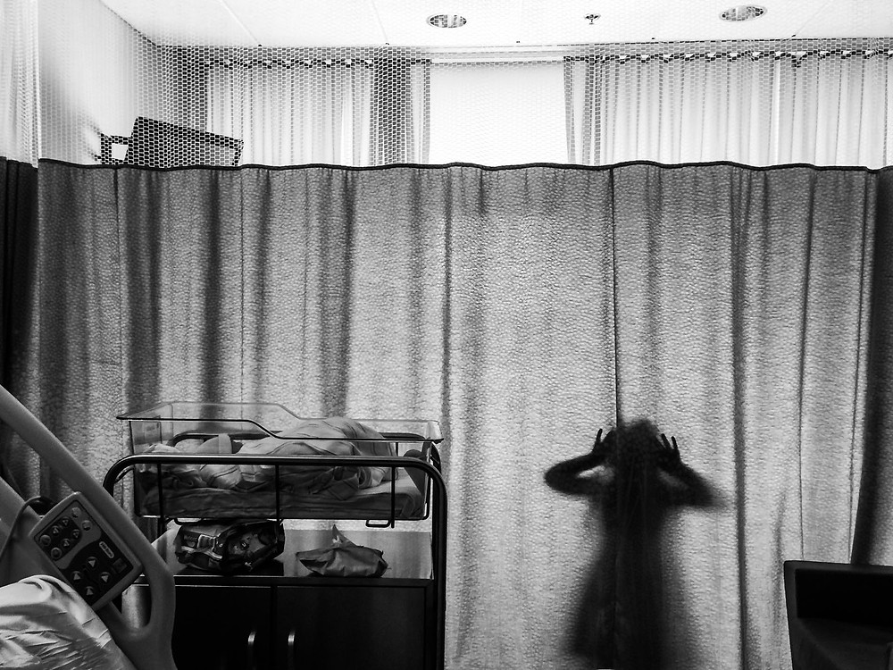 Sister plays behind hospital curtain as baby brother sleeps, Kin and Kid Photography, Boston, Family Photographer