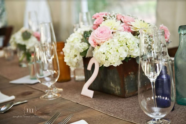 Table 2 floral and glassware.JPG