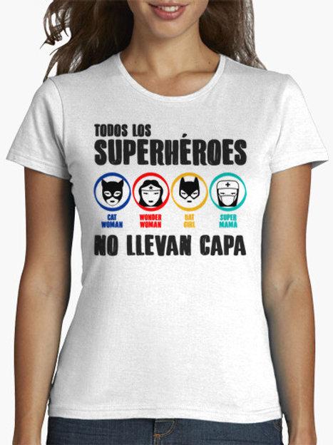PLAYERA TODOS LOS SUPERHEROES NO LLEVAN CAPA