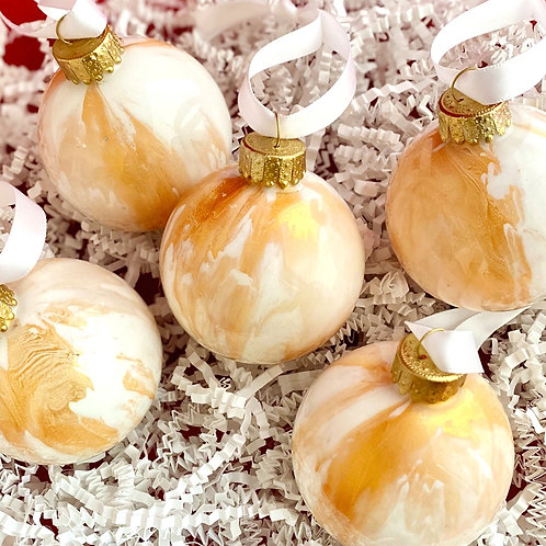 Ornament Set of 5: Gold and White