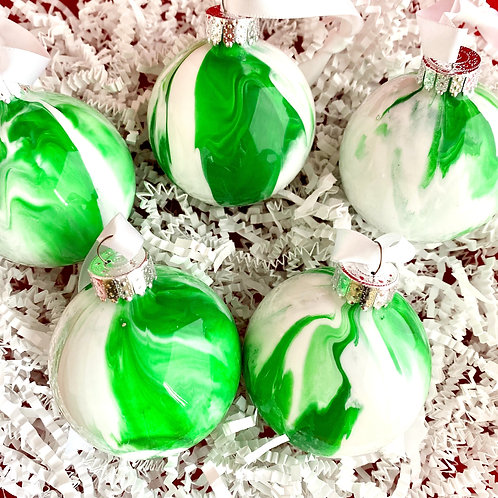 Ornament Set of 5: Green and White