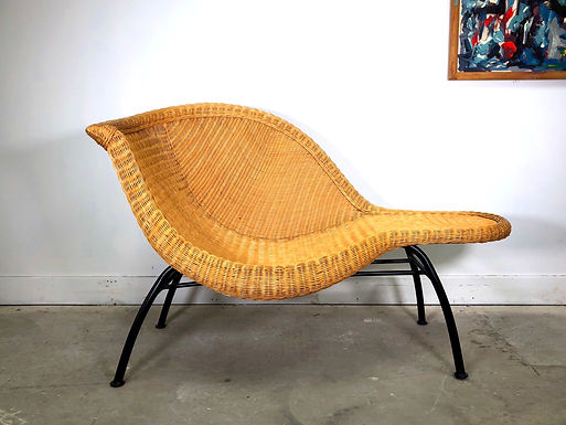 Sculptural Mid-Century Modern Wicker Chaise Lounge After Eames La Chaise