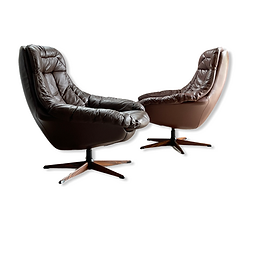 1960s H. W. Klein Swiveling Leather Lounge Chairs