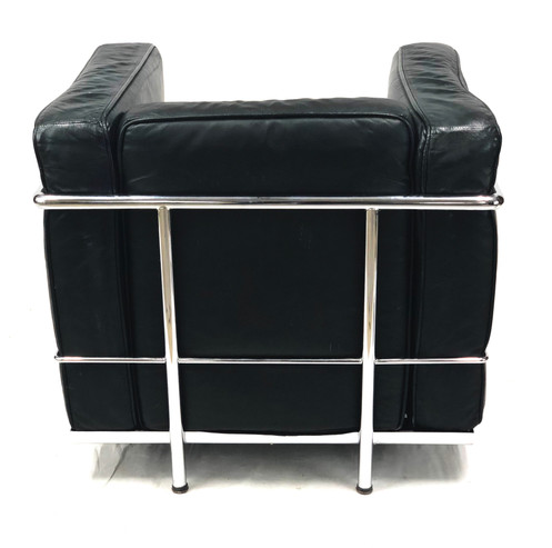 Exceptionnel Vintage Le Corbusier LC2 Modeler Style Black Leather Armchair The Le  Corbusier LC2 Petit Modele Armchair Designed In 1928, Is A One Person  Capacity Sofa ...