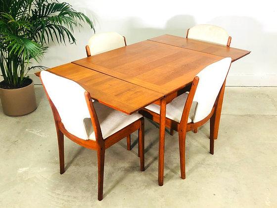 20th Century Danish Modern Ansager Mobler Teak Extending Draw Leaf Dining Table