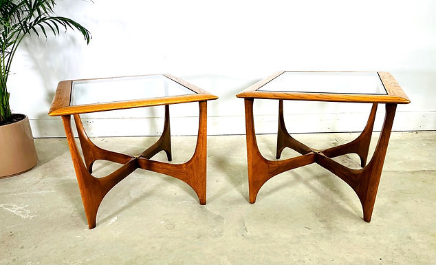 Pair of Mid-Century Modern End Tables By Lane Furniture