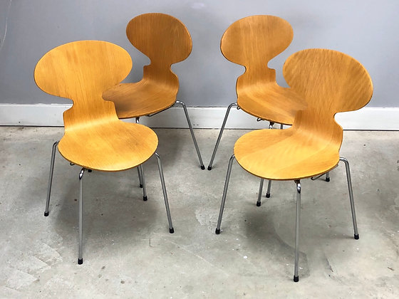 Set 4 Authentic Danish Modern Ant Chairs By Arne Jacobsen For Fritz Hansen
