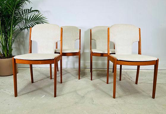 Set 4 Danish Modern Teak Dining Chairs By Johannes Andersen
