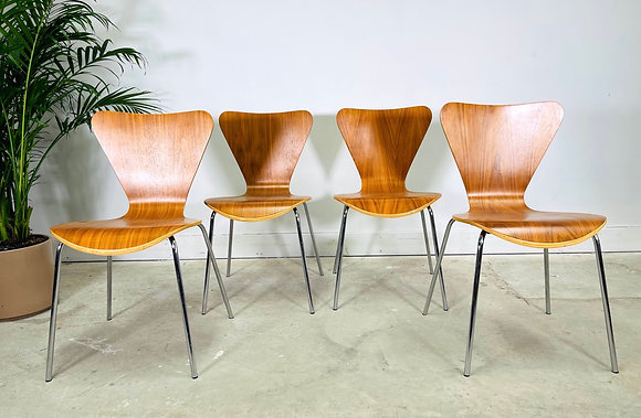 Set 4 Stacking Mid-Century Modern Chairs in Style of Ant Chair by Fritz Hansen
