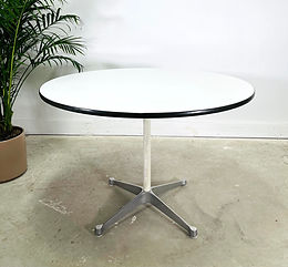 1960s Mid-Century Modern Eames for Herman Miller Round Dining Table