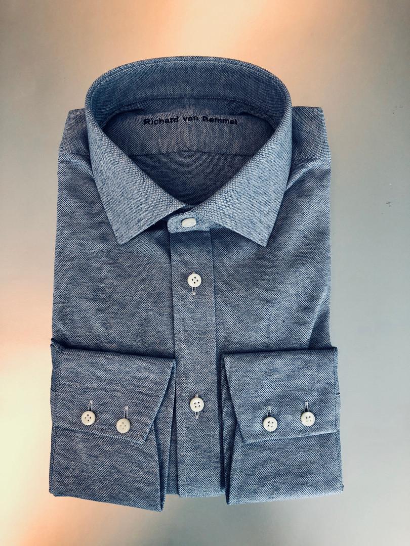 Maatshirt gemaakt van jersey stof