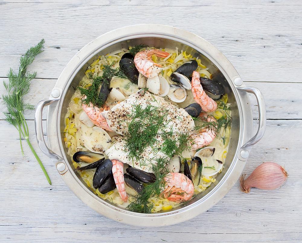 Cioppino de poisson et de fruits de mer