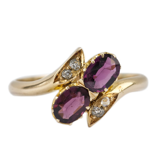 18ct Gold Garnet & Diamond Ring