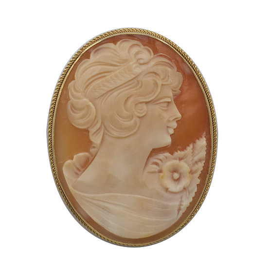 9ct Gold Shell Cameo Brooch