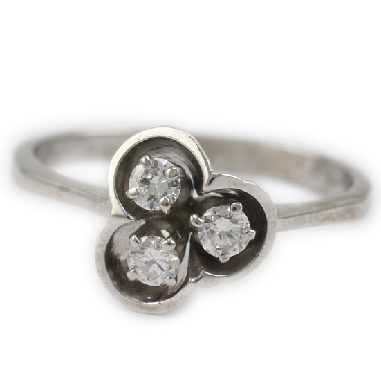 White Gold Vintage French Ring