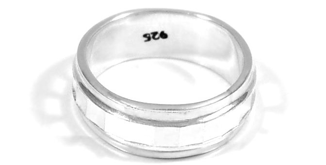 WEDDING DIAMOND CUT BAND#7.5