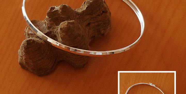 DIAMOND CUT OVAL BANGLE BRACELET