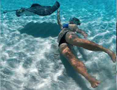Stingray-city-snorkel-383X292